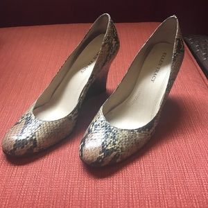 Ellen Tracy snake print wedge heels